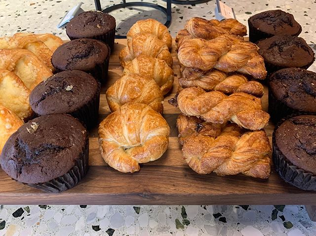 Keeping our mornings heathy and delicious is a daily task. 🥐 #healthybreakfast #la #losangeles #hollywood #ca #cali #california #eventplanner #event #planner #eventplanning #planning #eventproducer #producer #eventproduction #production #eventdesign #design #eventmanagement #management #events #eventprofs #eventpros #losangelesevents #laeventplanner #hospitality #eventstaff #eventstaffing #methodeventproductions #methodstaffing