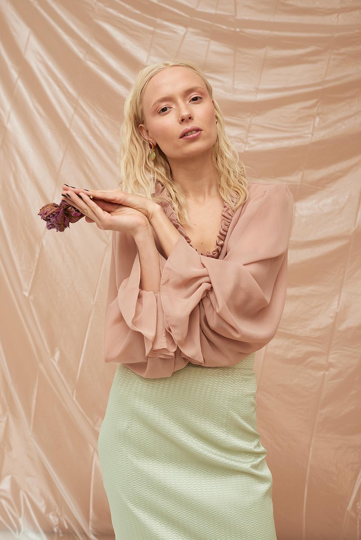блуза-с-рукавом--фонариком-на-резинке-2018011.jpg