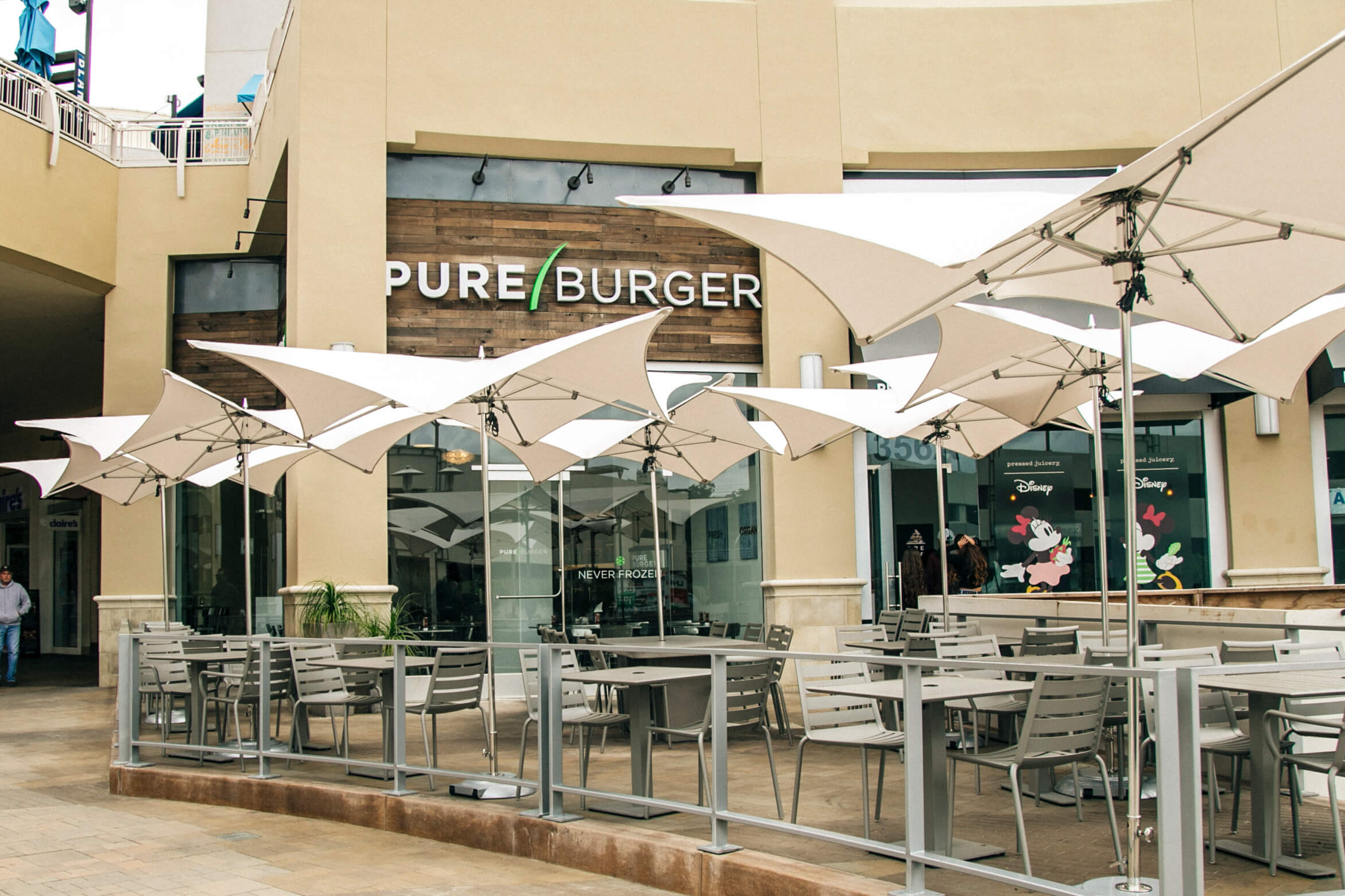 Pure Burger Fashion Valley Exterior-2.jpg
