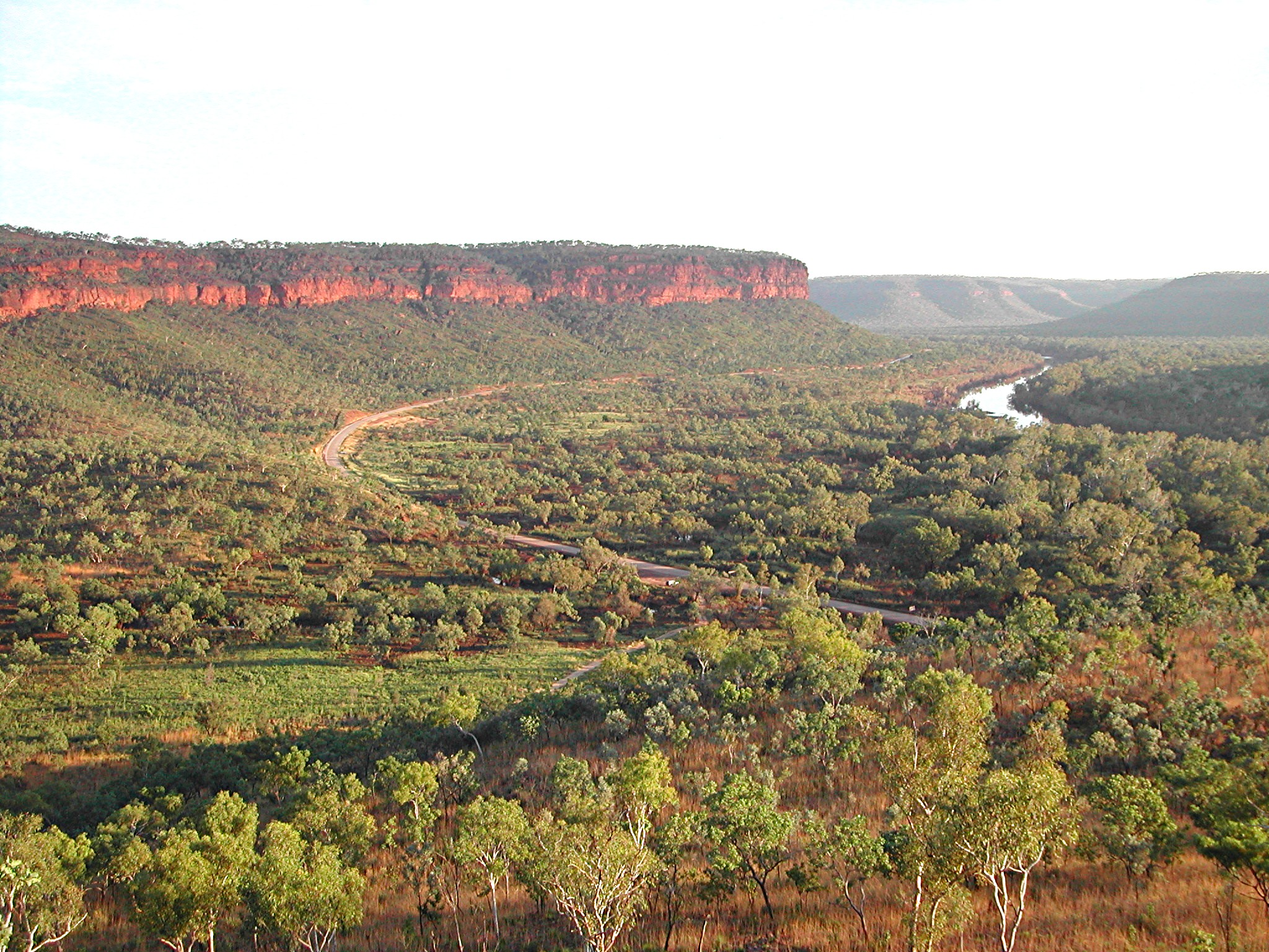 VICTORIA RIVER AND ESCARPMENT, HOME TO THE WHITE-QUILLED ROCK-PIGEON, PURPLE CROWNED FAIRY-WREN, FINCHES AND MANNIKINS