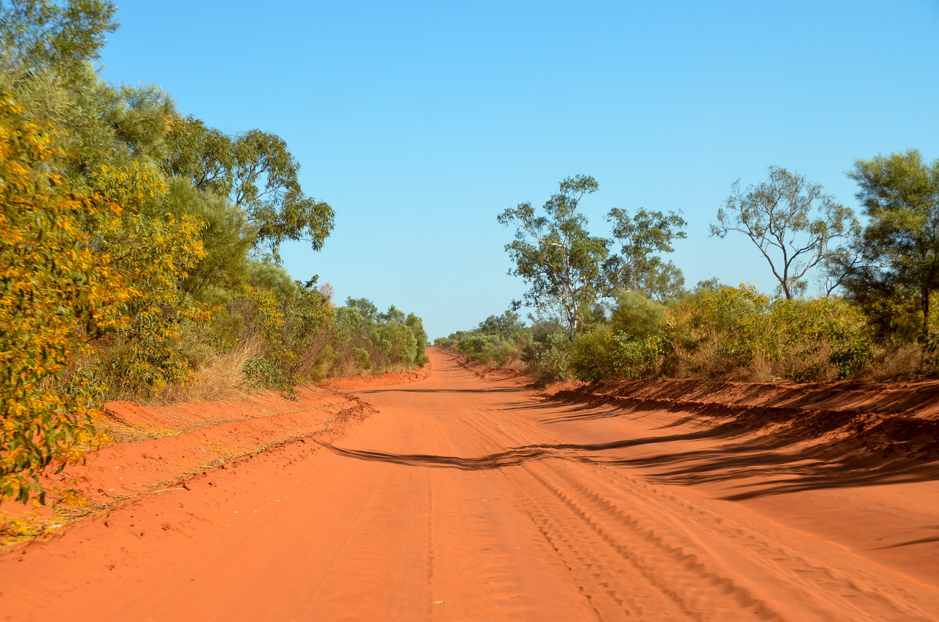 outback road.jpg