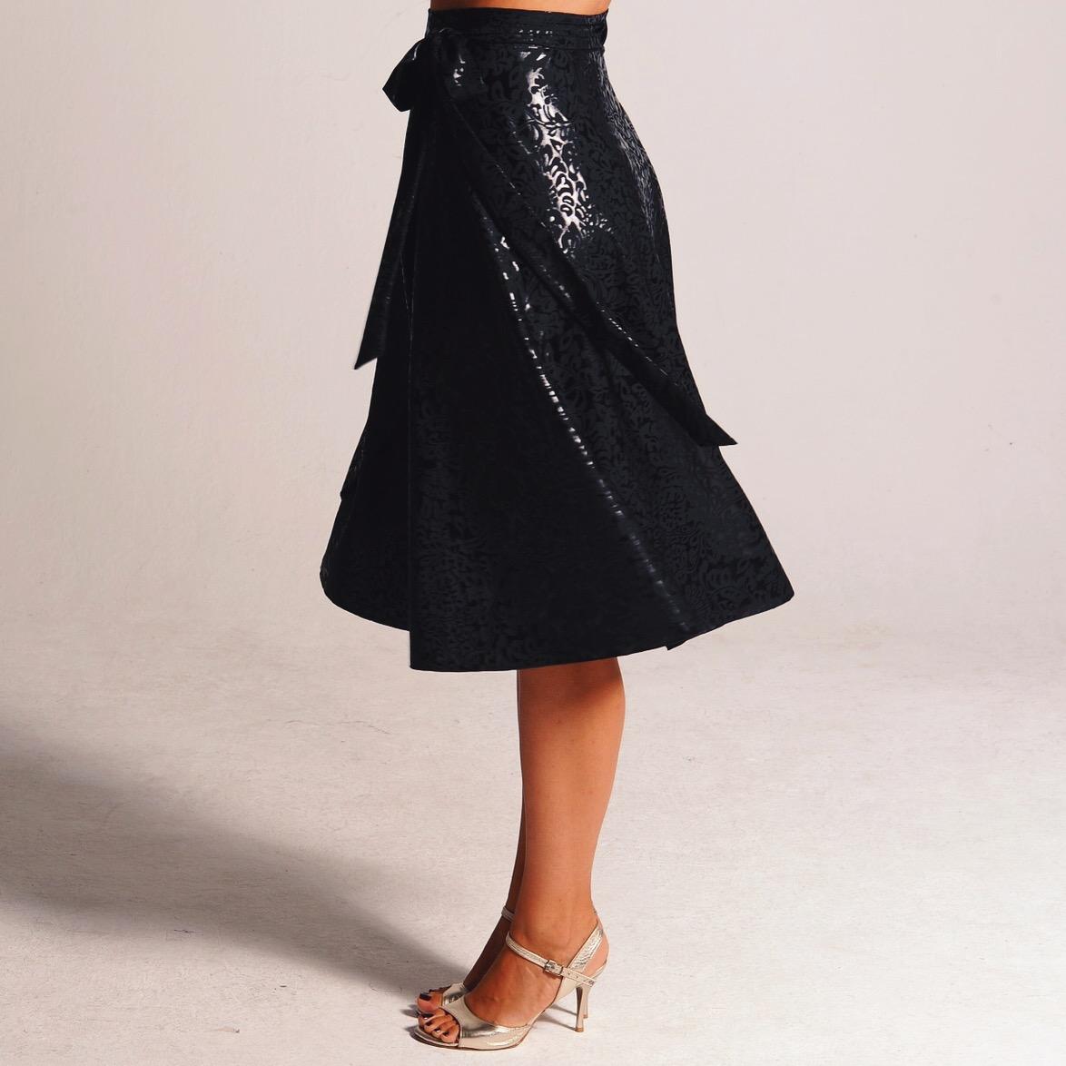 black_shimmer_tango_skirt_coco.JPG