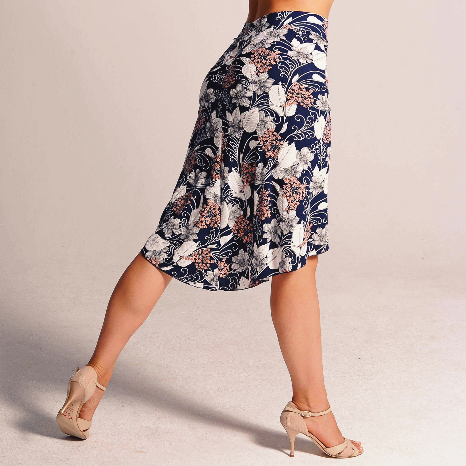 tango_skirt_tango_shoes_coleccion_berlin.JPG