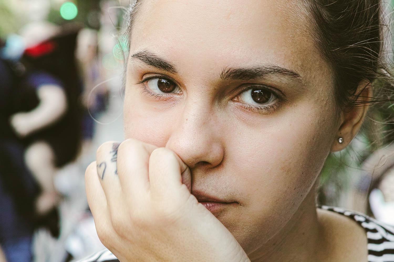 Alisa on the Upper East Side, Manhattan. Sigma DP2 Merrill, 1/60 @ f/2.8 200 ISO