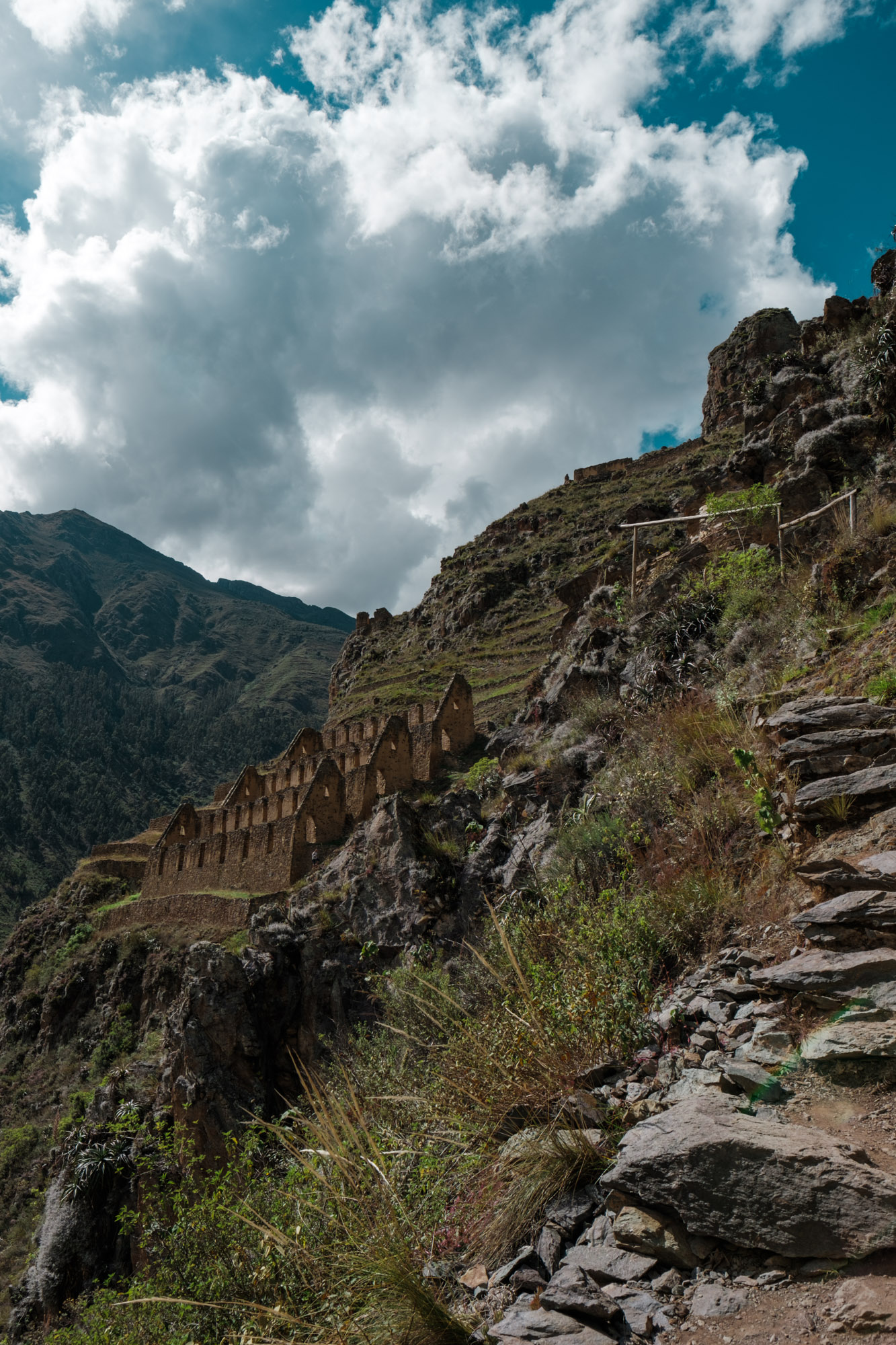 Hiking in Ollantaytambo, Peru. Fuji X-pro2, Fuji XF 16mm f/1.4 WR.