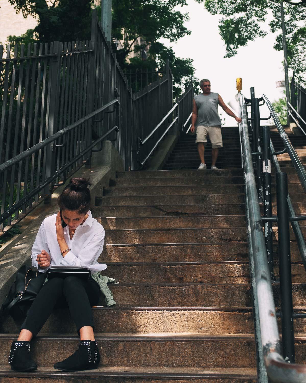 fuji-x100f-photo-walk-summer-nyc-street-girl.jpg