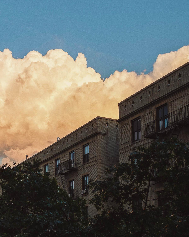 fuji-x100f-photo-walk-summer-nyc-street-architecture.jpg