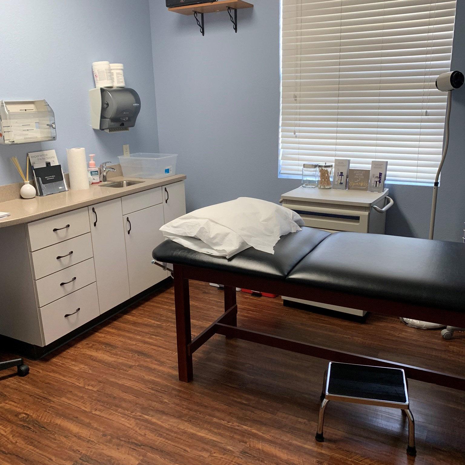 Treatmentroom2.jpg