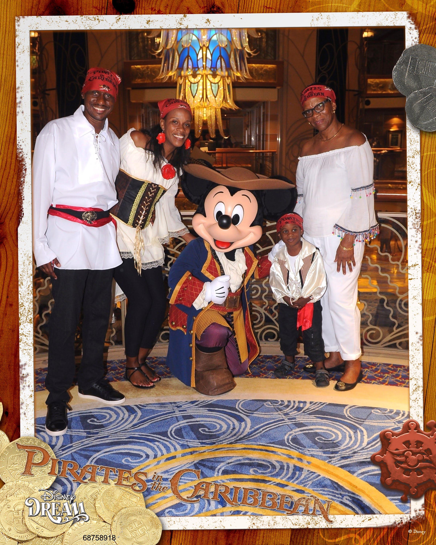 784-68758918-Classic CL Mickey Pirate 4 MS-50144_GPR.jpg