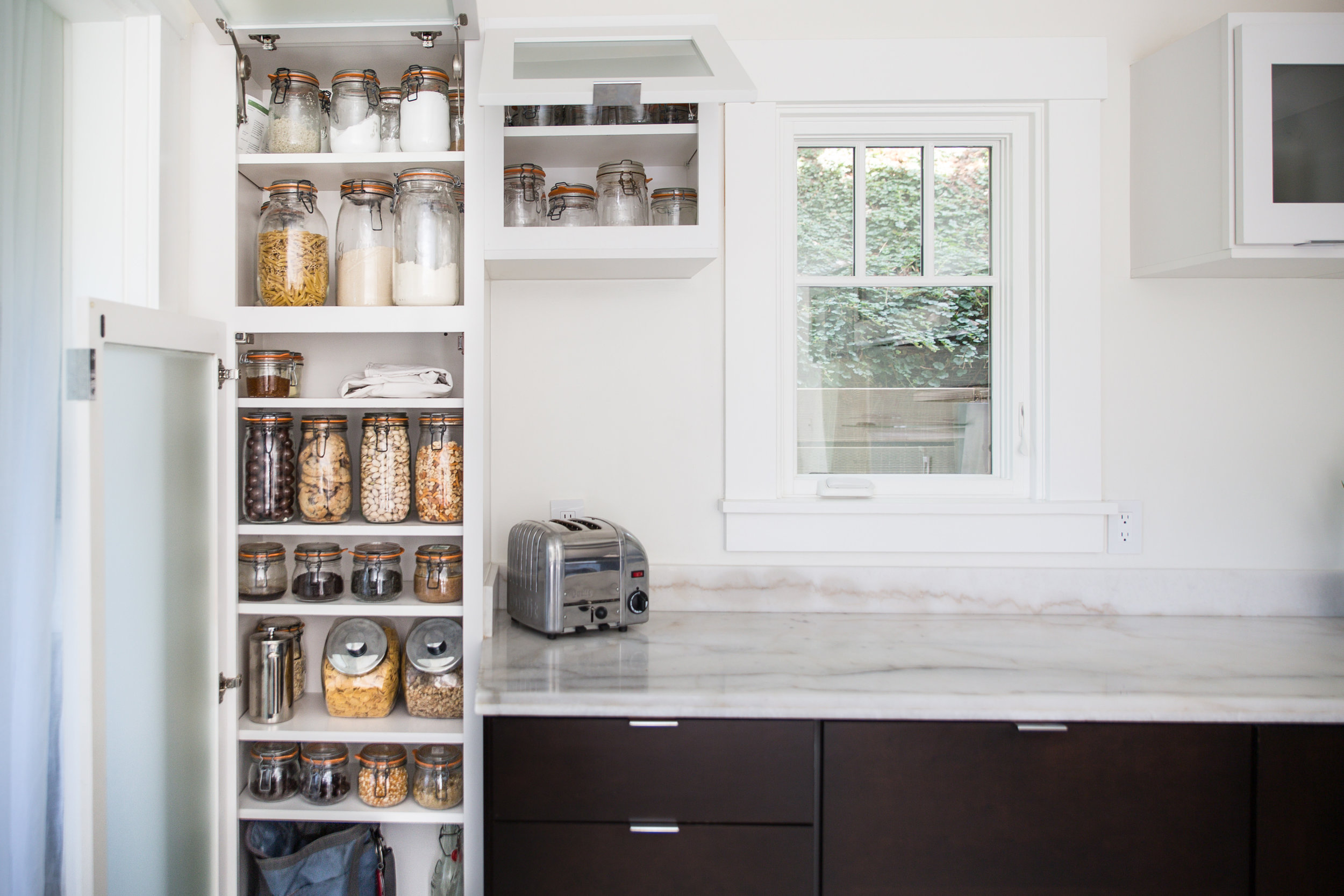 Bea's minimal kitchen and pantry   Photo by Michael Clemens