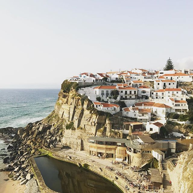 The fishing village of Azenhas Do Mar was one of the many stops we made on our private tour of the Sintra area. A day is not enough to see all that this area outside of Lisbon has to offer. So much history, incredible scenery, Portuguese food and a very knowledgeable guide made this such a special day. #lisbon🇵🇹 #familytravel #travelmore #traveldeeper #fishingvillage #ocean #beachy #lowtide #portugal_em_fotos #travelphotos #familytime❤️ #summervacation #sintragram #sintraportugal #sintra #privatetour best tour guide: @invisiblecitytours #toplisbonphoto