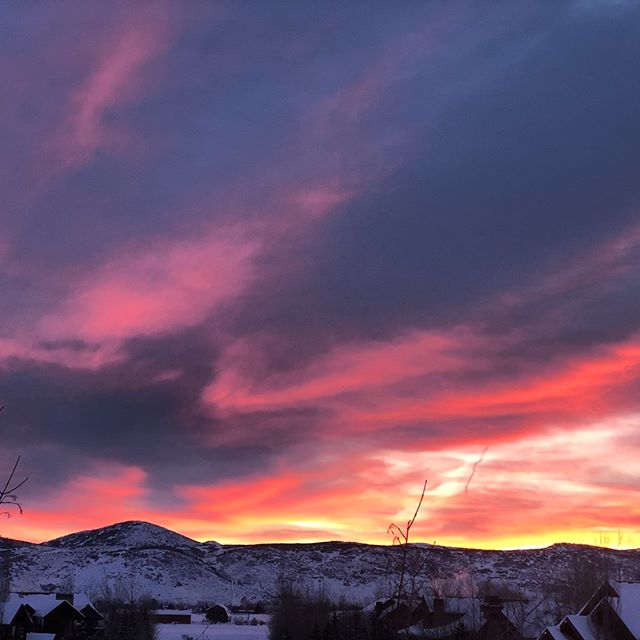 After 4 feet of snow, Yootah shows it's colors this morning #utah #yootah