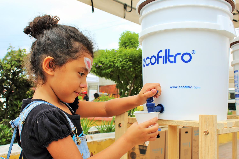 Ecofiltro Guatemalan Girl