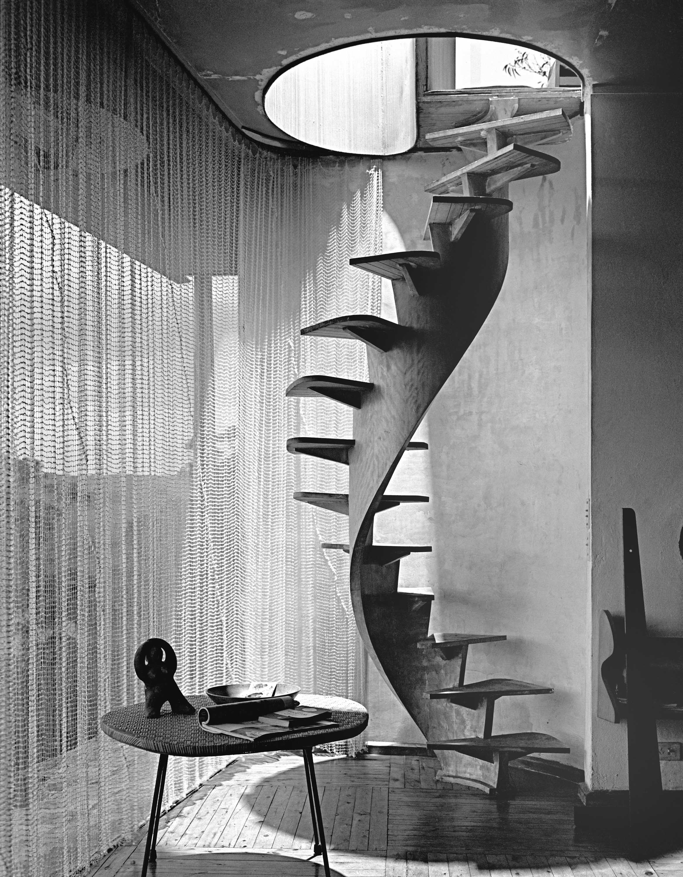 Buhrich House I, Castlecrag, designed by Hugh Buhrich, Max Dupain, 1958. Max Dupain Exhibition Archive: 2975A, State Library of NSW. Courtesy and !E J W Thompson Australia