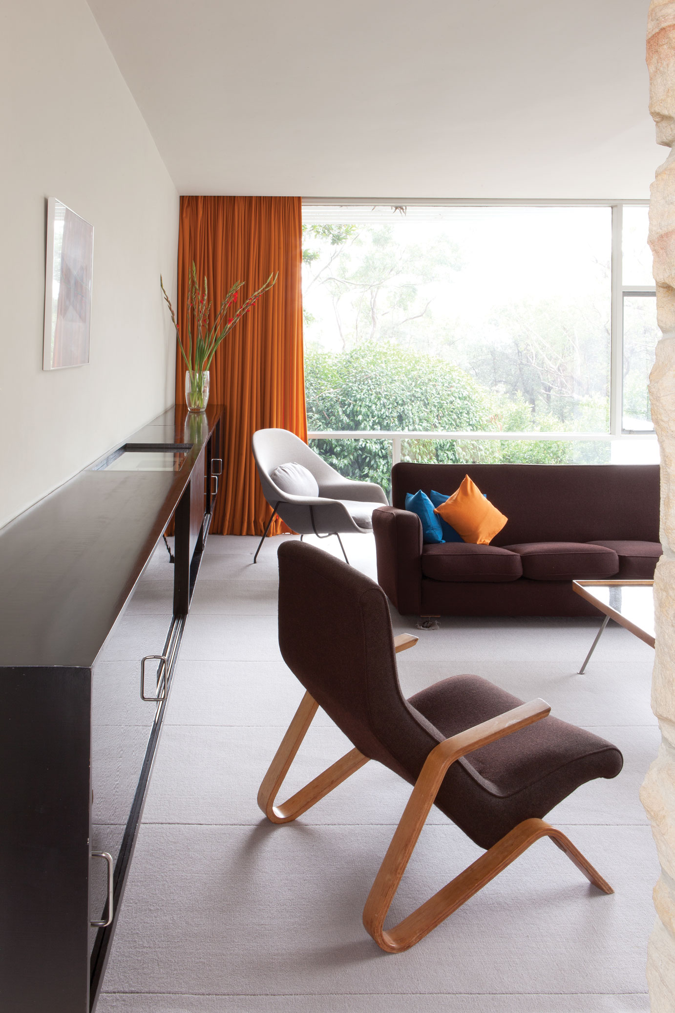Living room, Rose Seidler House, Maecell Seidler, 1950. Sydney Living Museums.  The grasshopper chair (foreground) and womb chair (background) were both designed by Eero Saarinen, manufactured by Knoll International and purchased by Harry Seidler in New York.