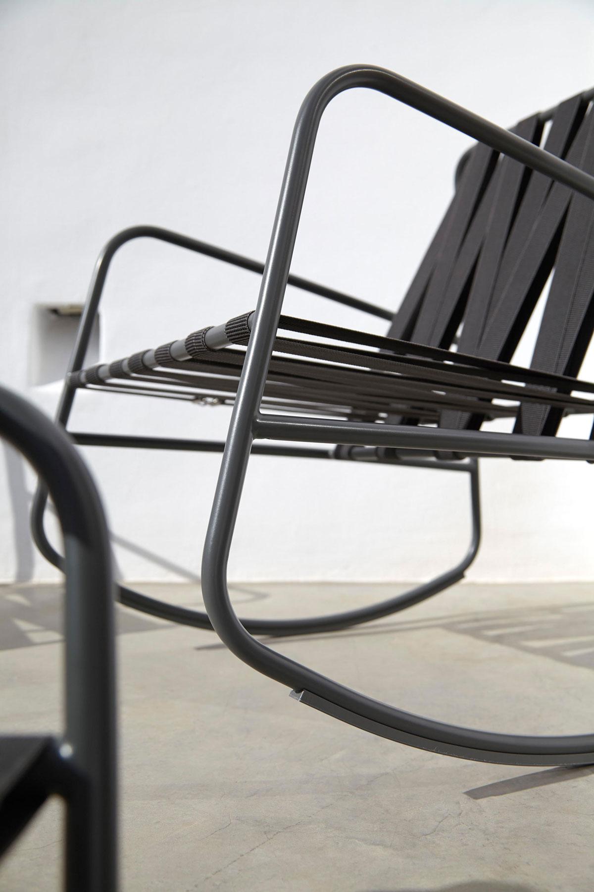 GANDIABLASCO  DozeQuinze Rocking Chair