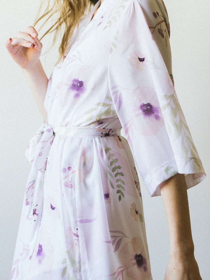 ivory-blush-bridal-bridesmaid-floral-silk-robe-4.jpg