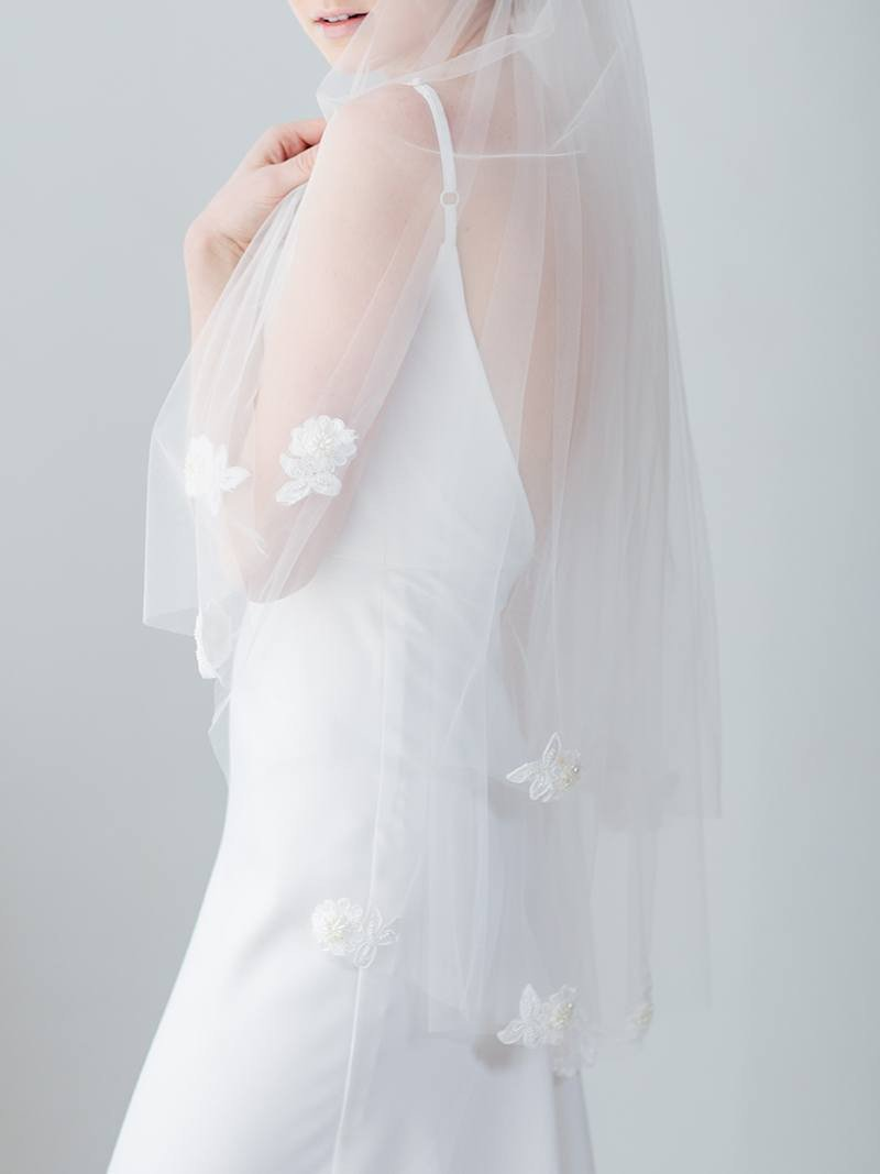 ivory-white-bridal-veil-tulle-lace-floral-flower-scattered-applique-20.jpg