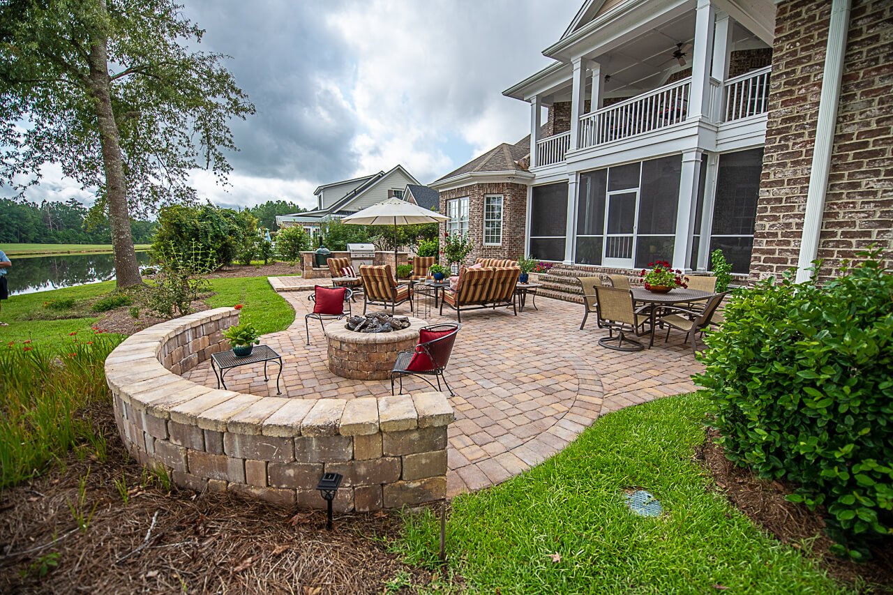 Paver Seating Wall and Gas Burning Fire Pit