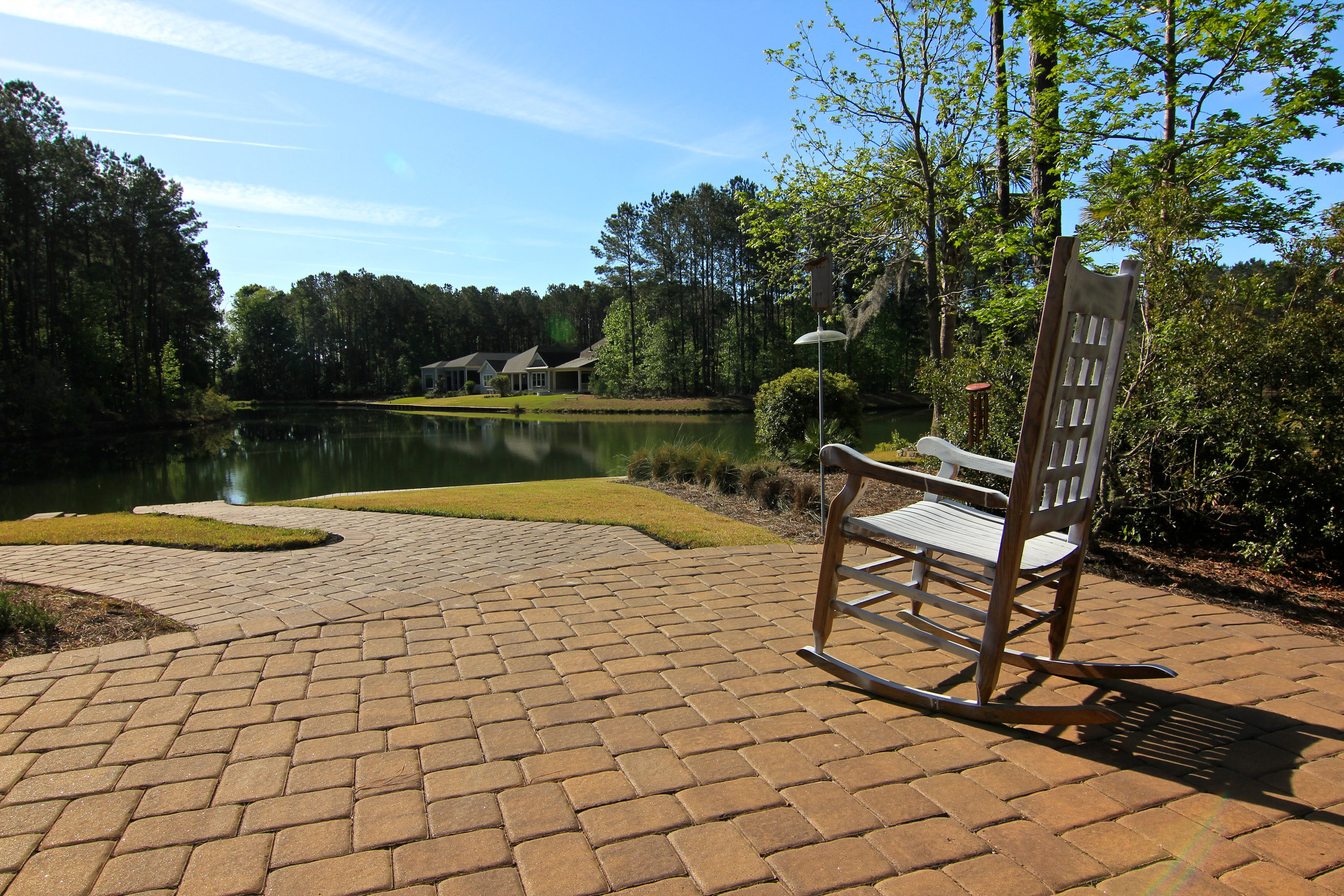 T-Pattern - Used primarily with 2pc pavers, this pattern creates an alternating T or L depending on your view!