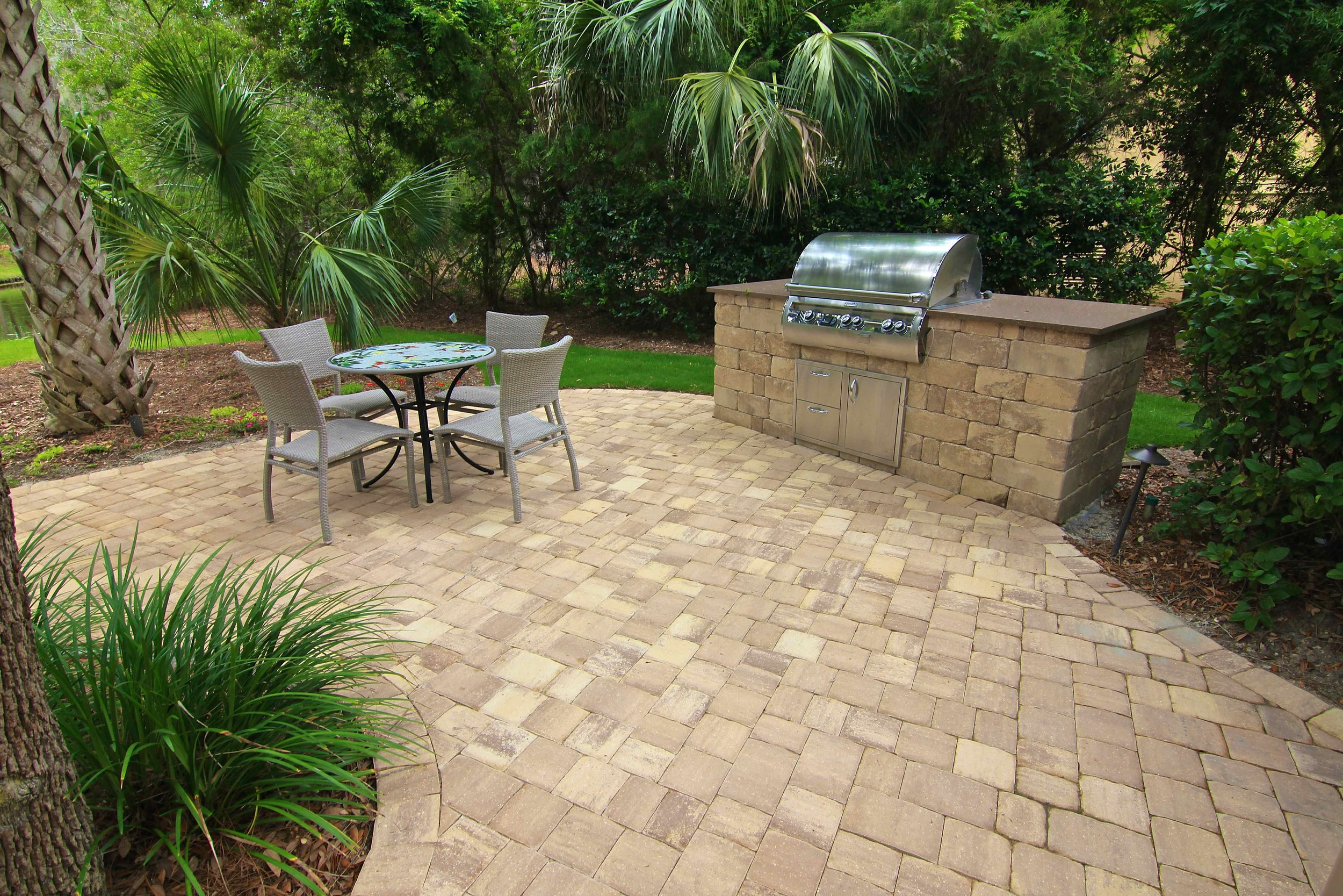 View More Outdoor Kitchen Designs In Our Gallery