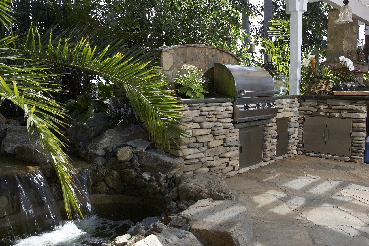 Installing A Stone Face Outdoor Kitchen