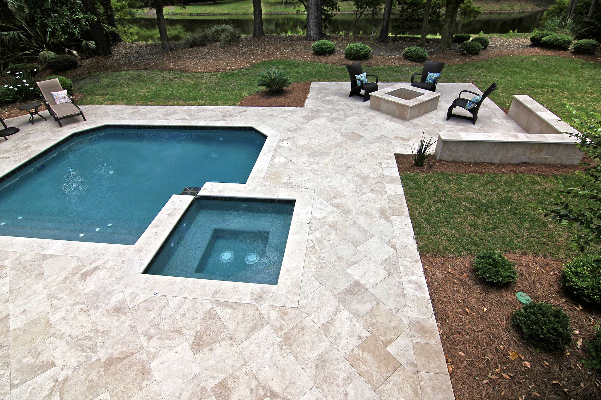 ivory_travertine_01.jpg