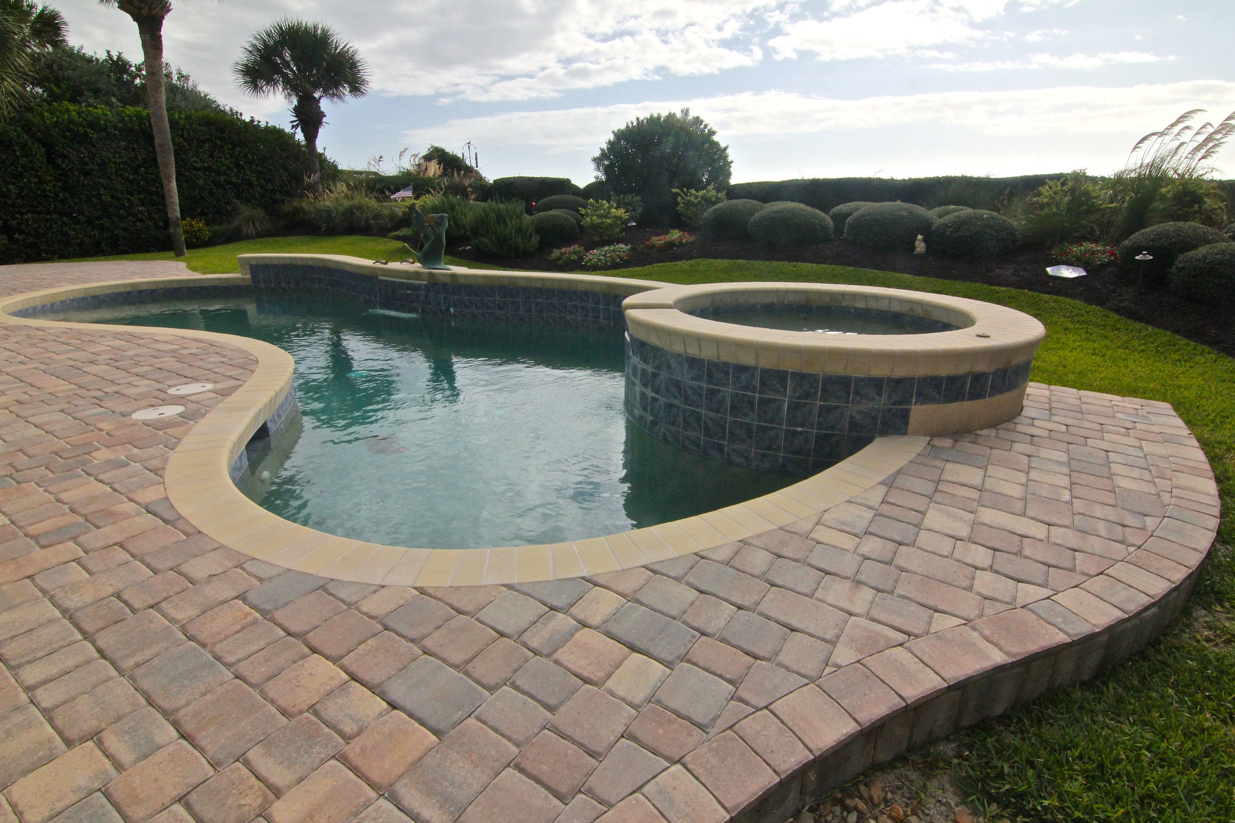 Pool Deck Remodel Using Traditional Remodel Coping