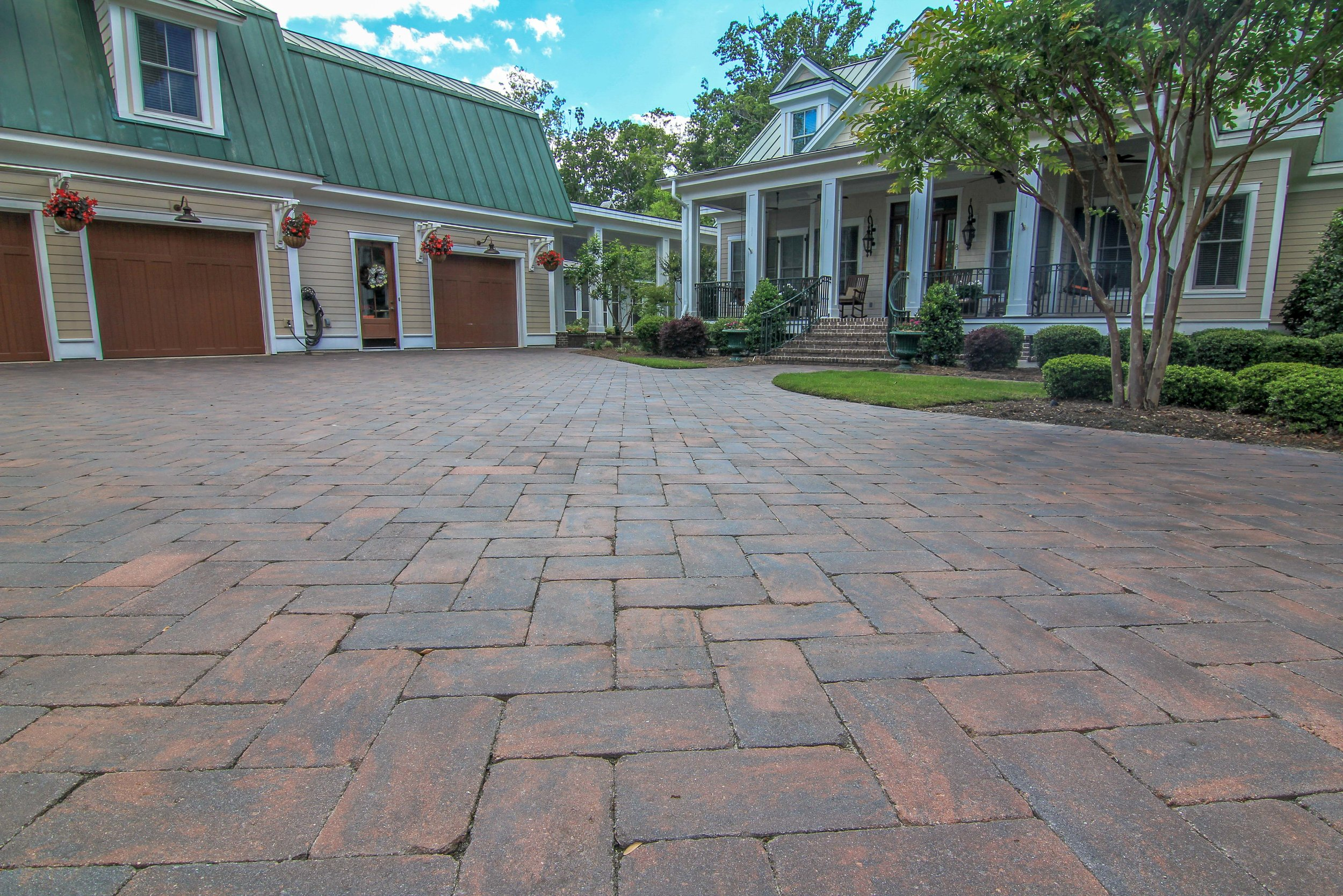 Did you know paver driveways are quick to install, easy to maintain and appealing to look at! Get rid of that boring concrete and install pavers!