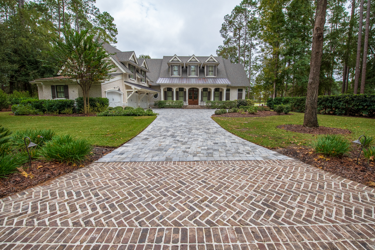 Adding old Savannah grey brick with concrete brick pavers is a great way to combine both traditional and modern tastes to any Hardscape project.