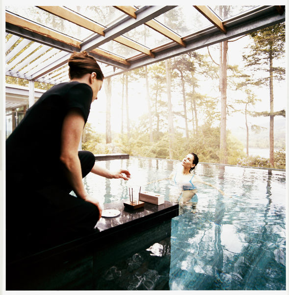 7. chill out - We Irish love our spas and talented therapists are highly prized. If you have an interest in wellness and beauty and you like the idea of working in a calm and tranquil environment, then Irish hotel and destination spas are the place for you.