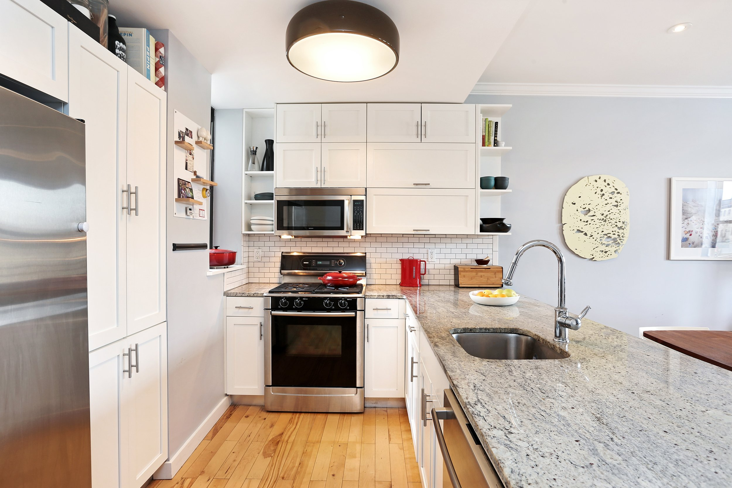 4_172SterlingPlace_6_5_Kitchen_HiRes.jpg