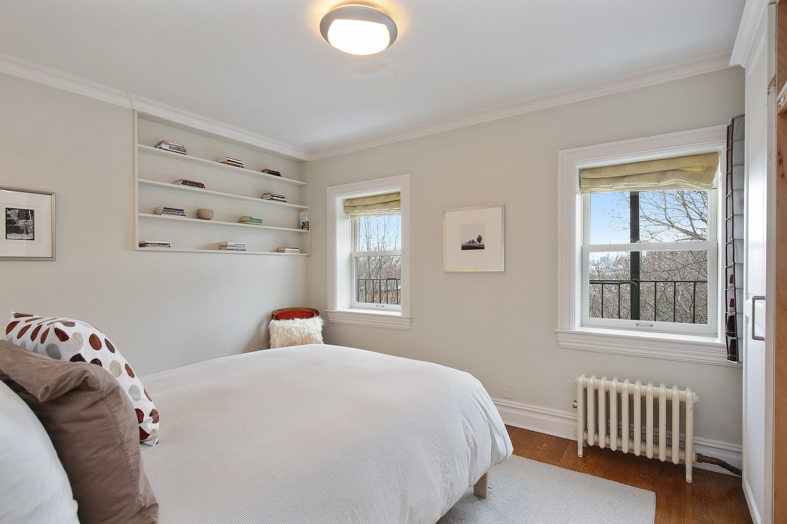 08_217LafayetteAvenue_4_14_MasterBedroom_HiRes.jpg