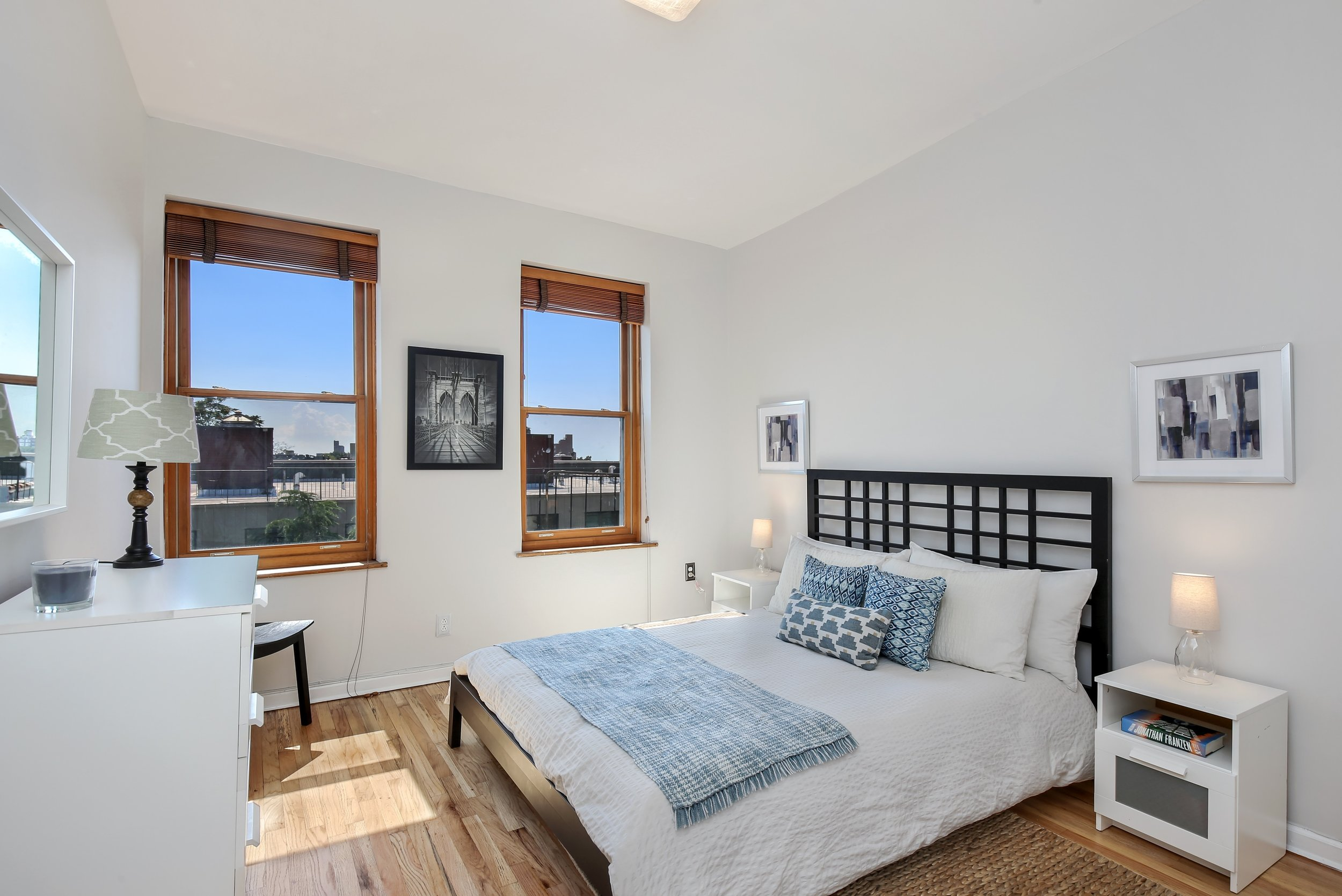 4_132SaintMarksPlace_4L_18_Bedroom_HiRes.jpg