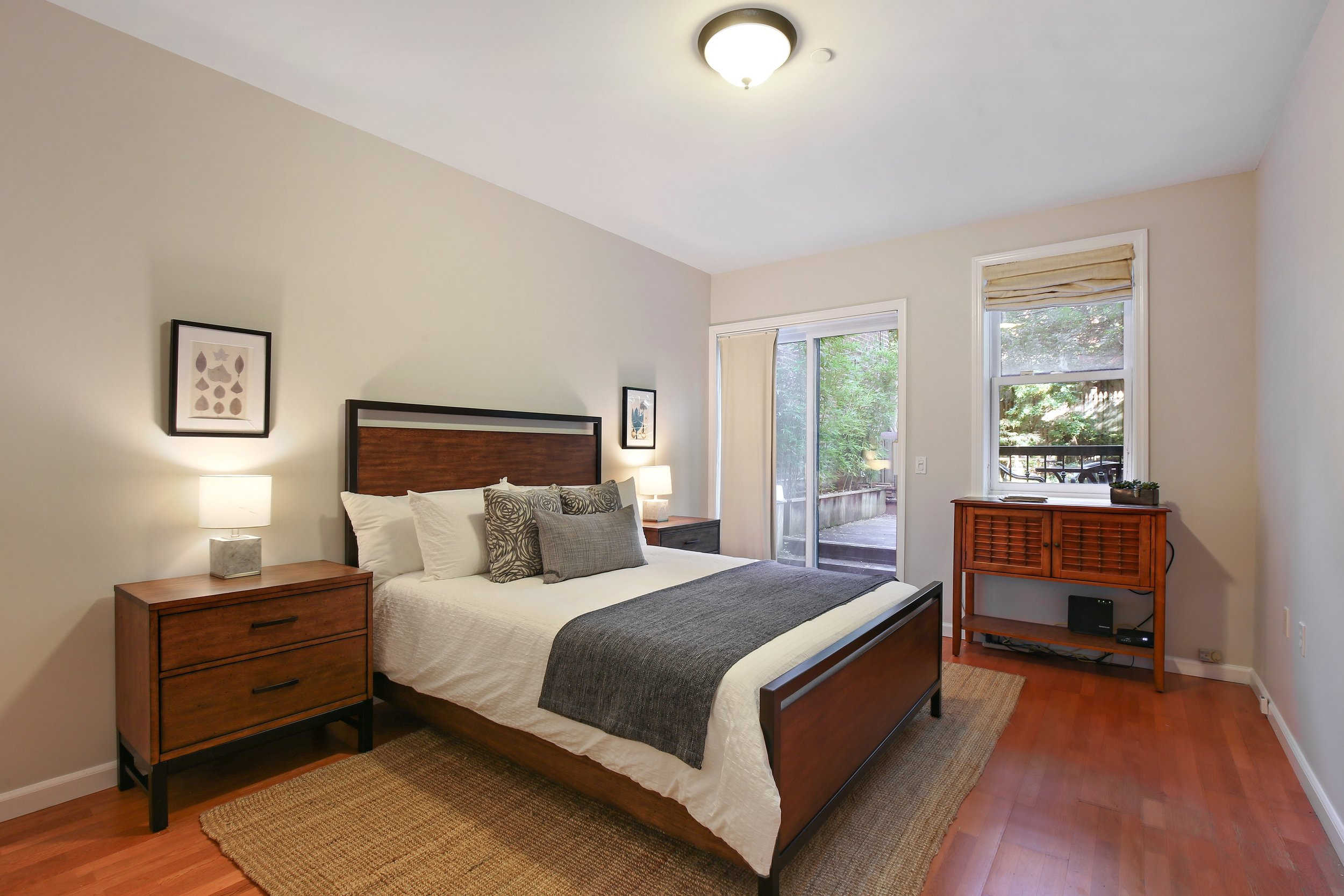 05_35SouthElliottPlace_A_14_MasterBedroom_HiRes.jpg