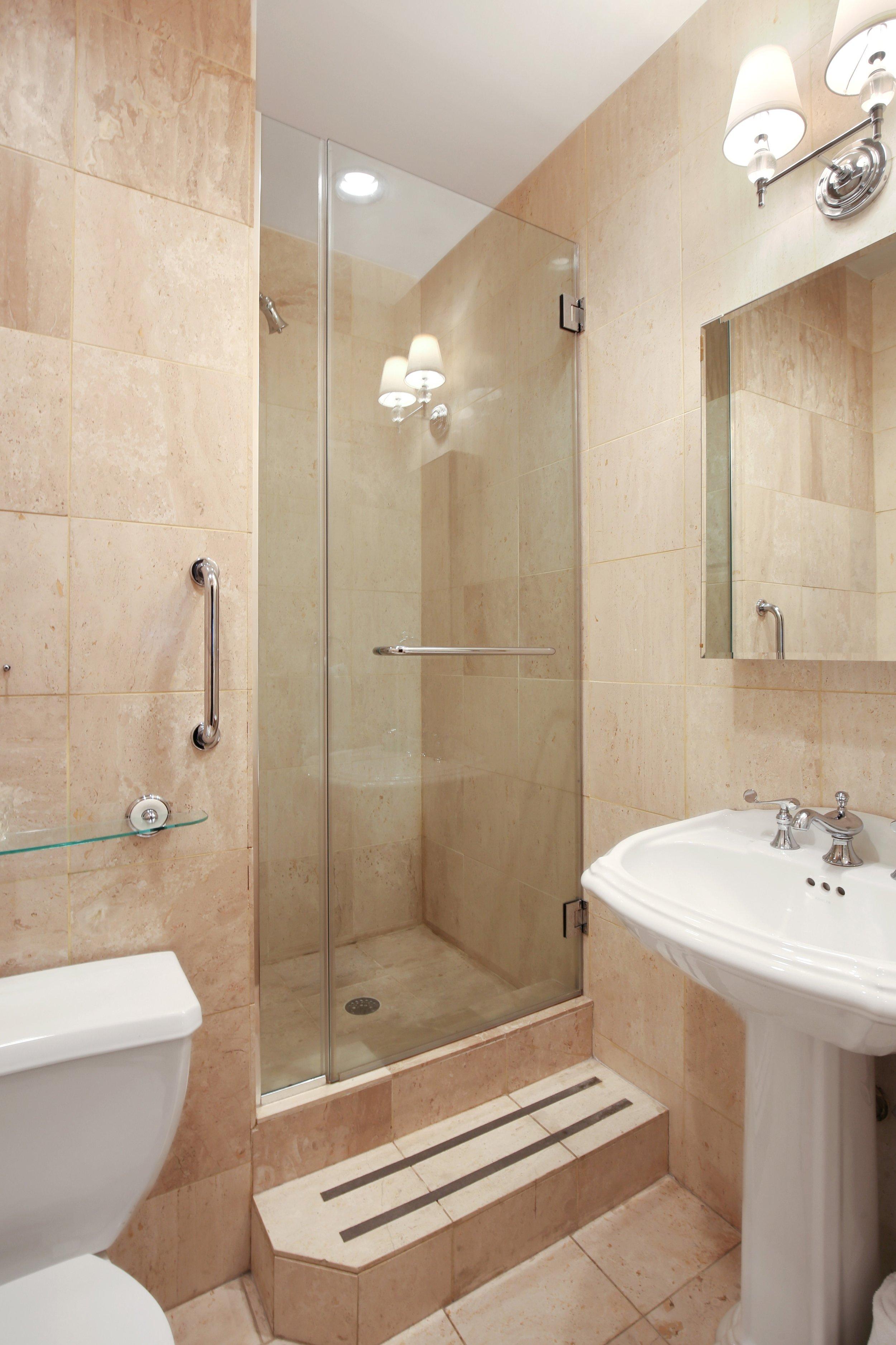 09_75LivingstonStreet_6A_8_Bathroom_HiRes.jpg