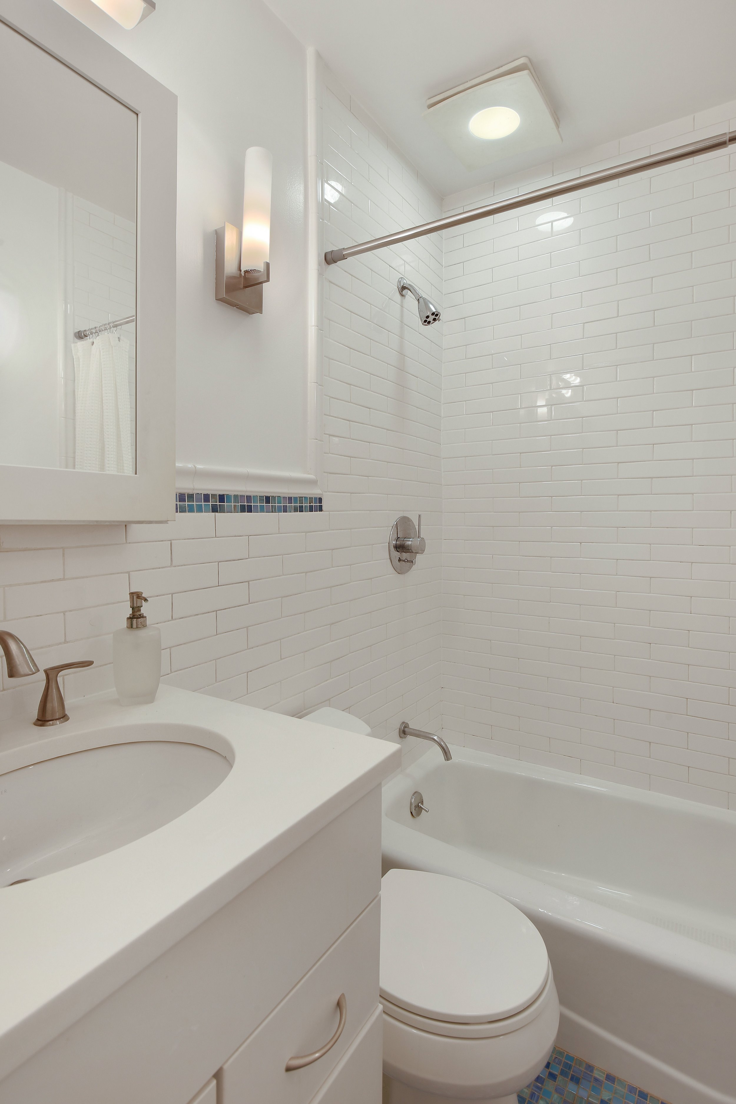 07_368AdelphiStreet_4_8_Bathroom_HiRes.jpg