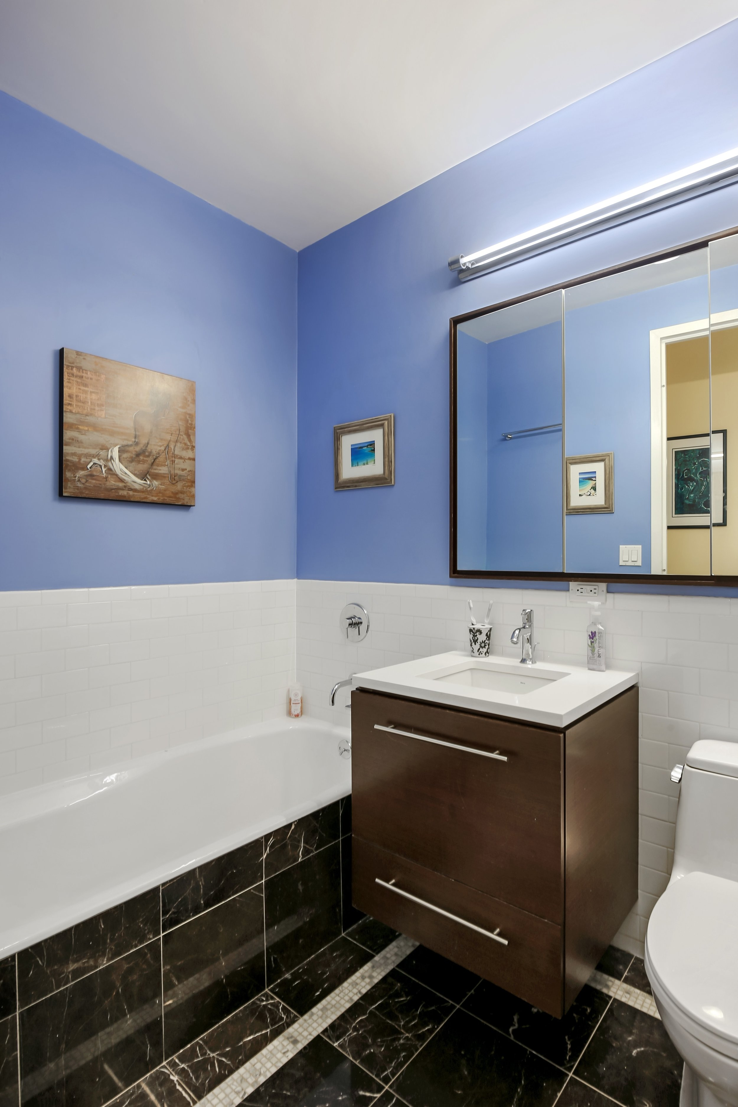 6_96RockwellPlace_10A_8_Bathroom_HiRes.jpg