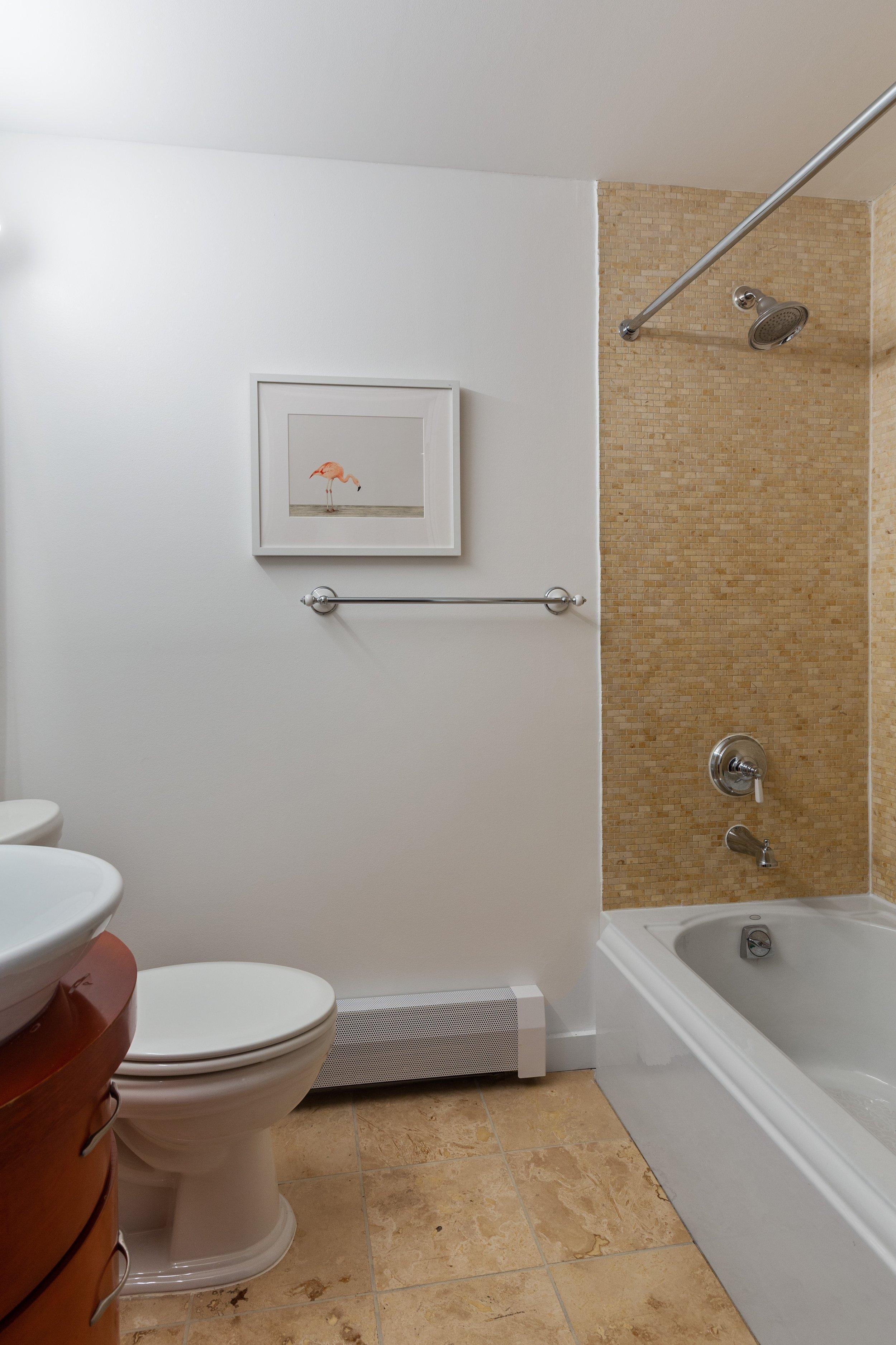 10_283WashingtonAvenue_1_8_Bathroom_HiRes.jpg