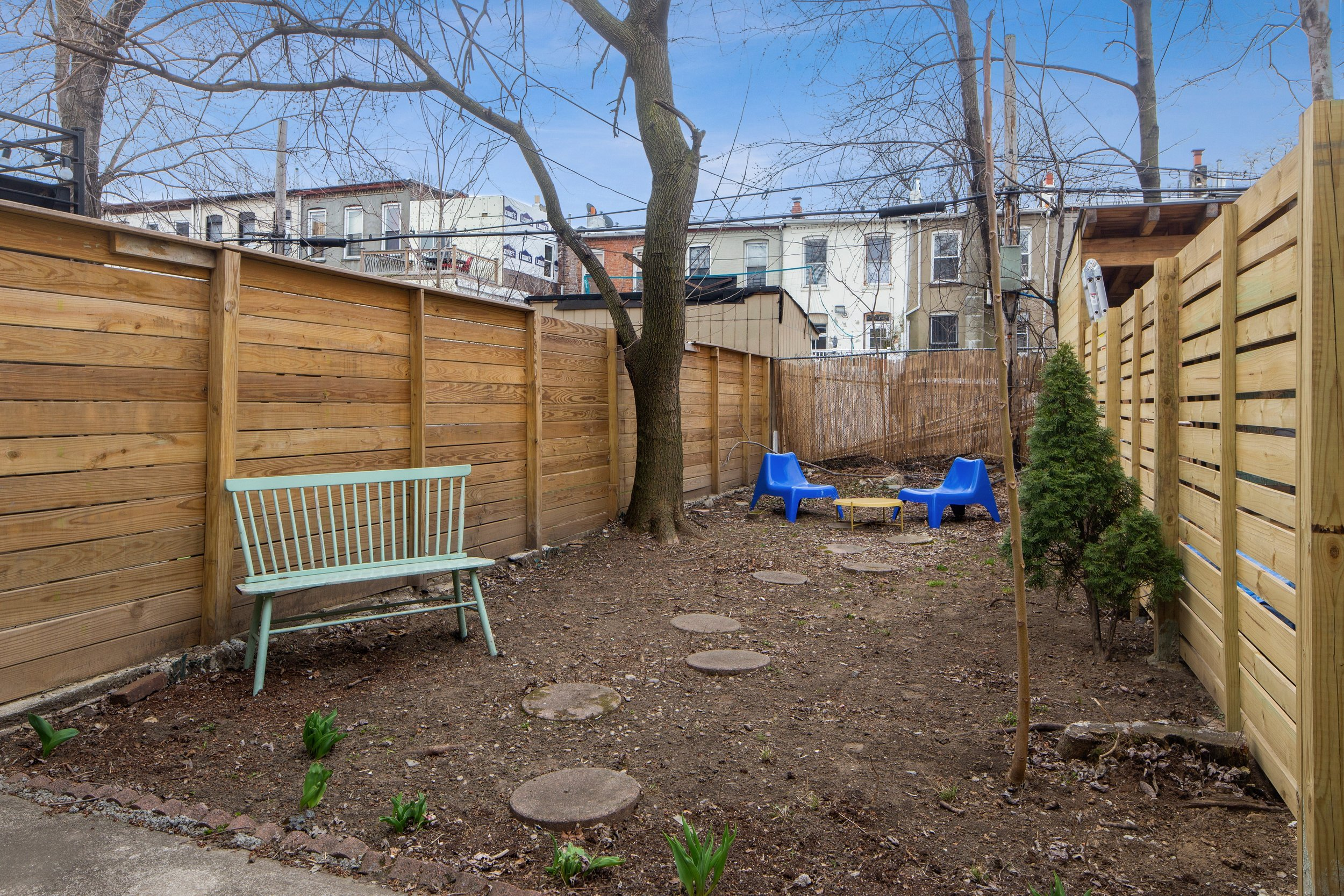 11_712monroestreet_26_BackYard_HiRes.jpg