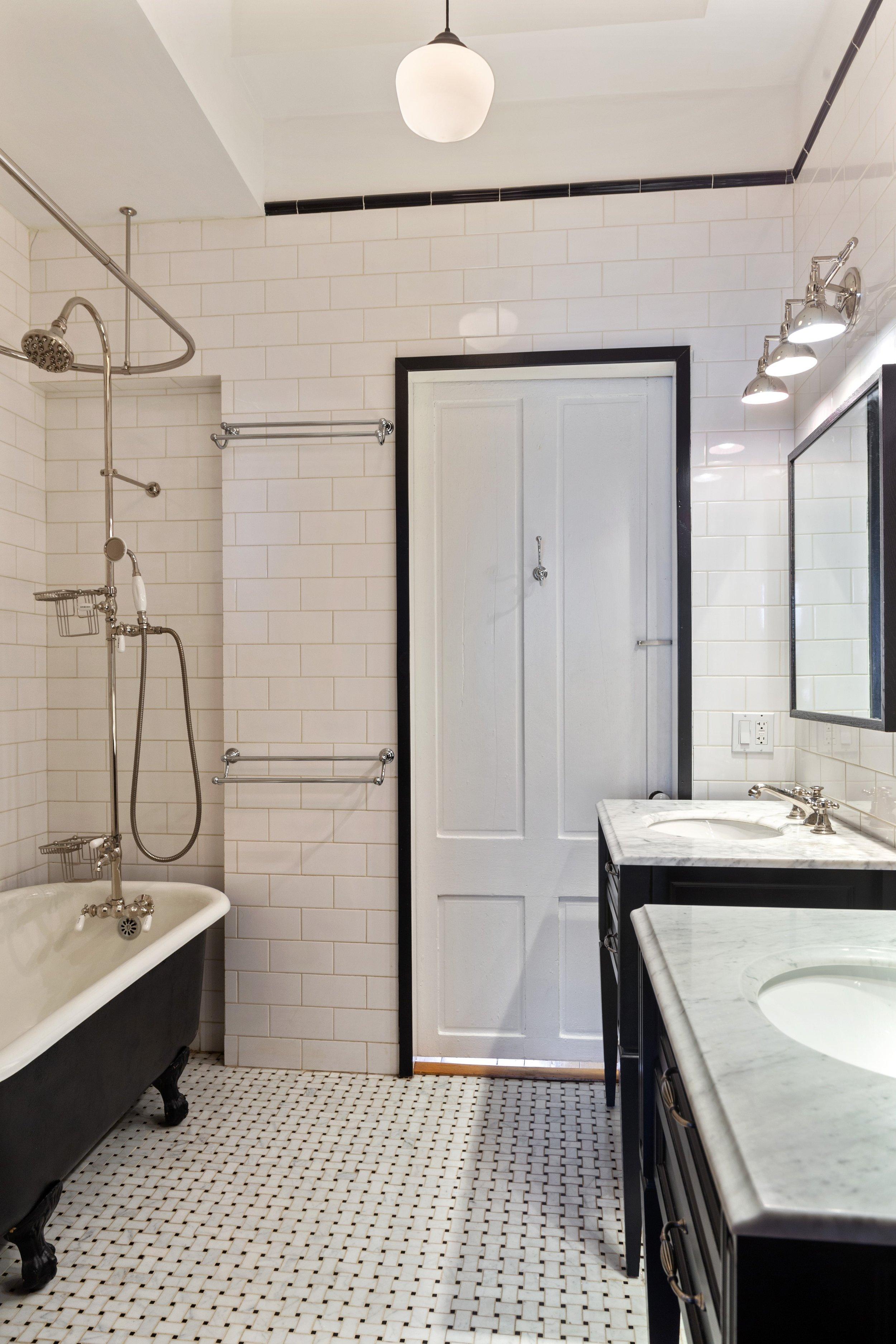 15_151WilloughbyAve_8_Bathroom_HiRes.jpg