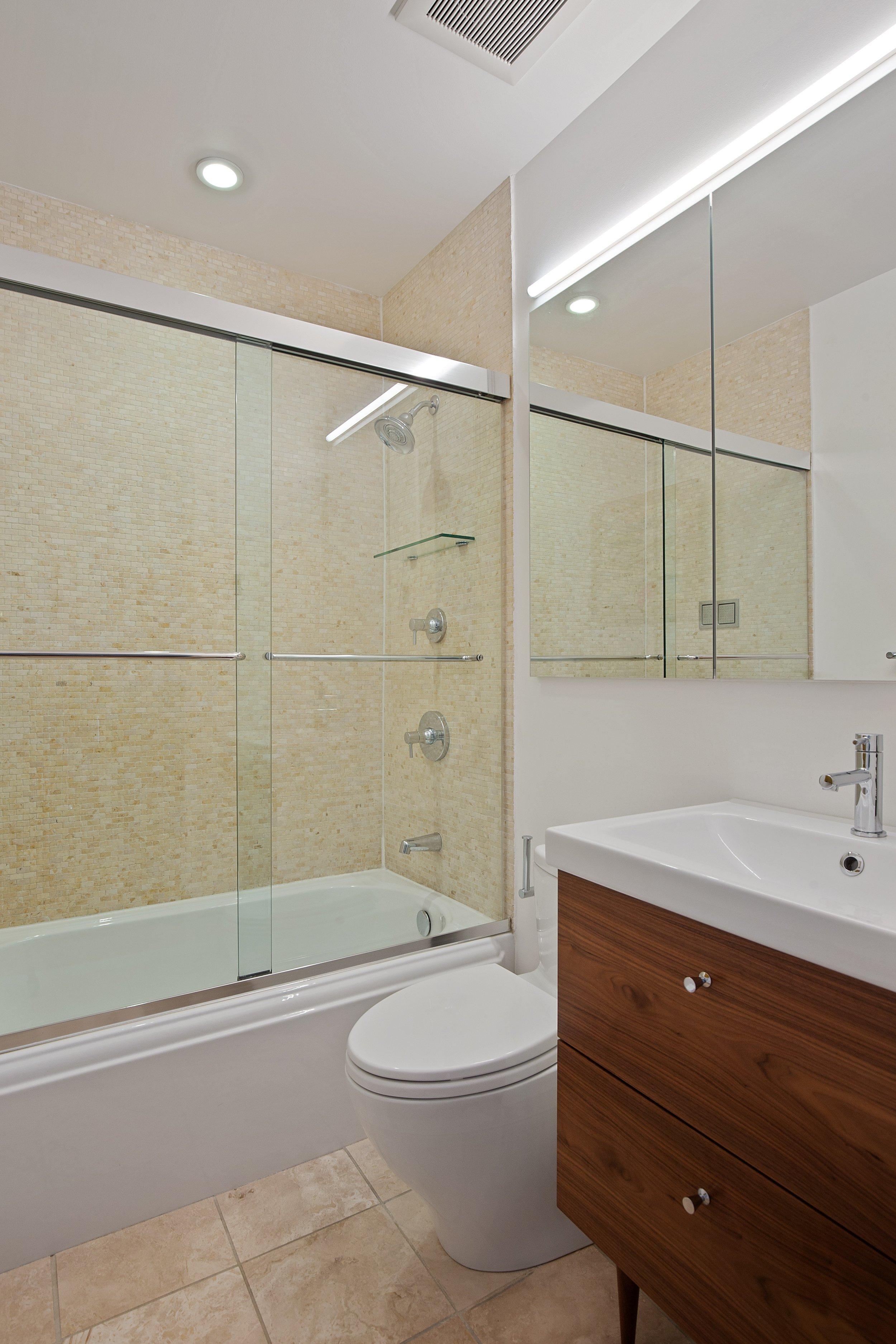 14_283washingtonavenue_5_8_Bathroom_HiRes.jpg