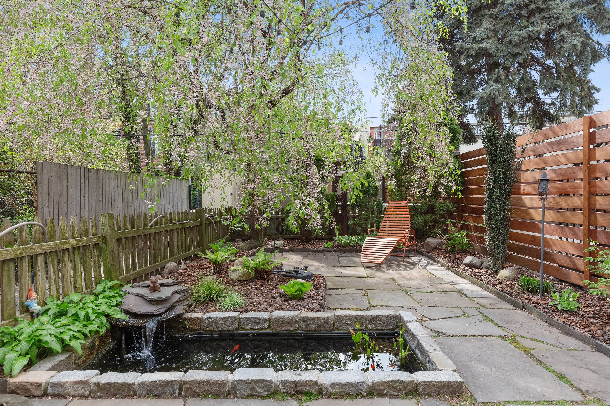 10_368AdelphiStreet_1_26_BackYard_HiRes.jpg