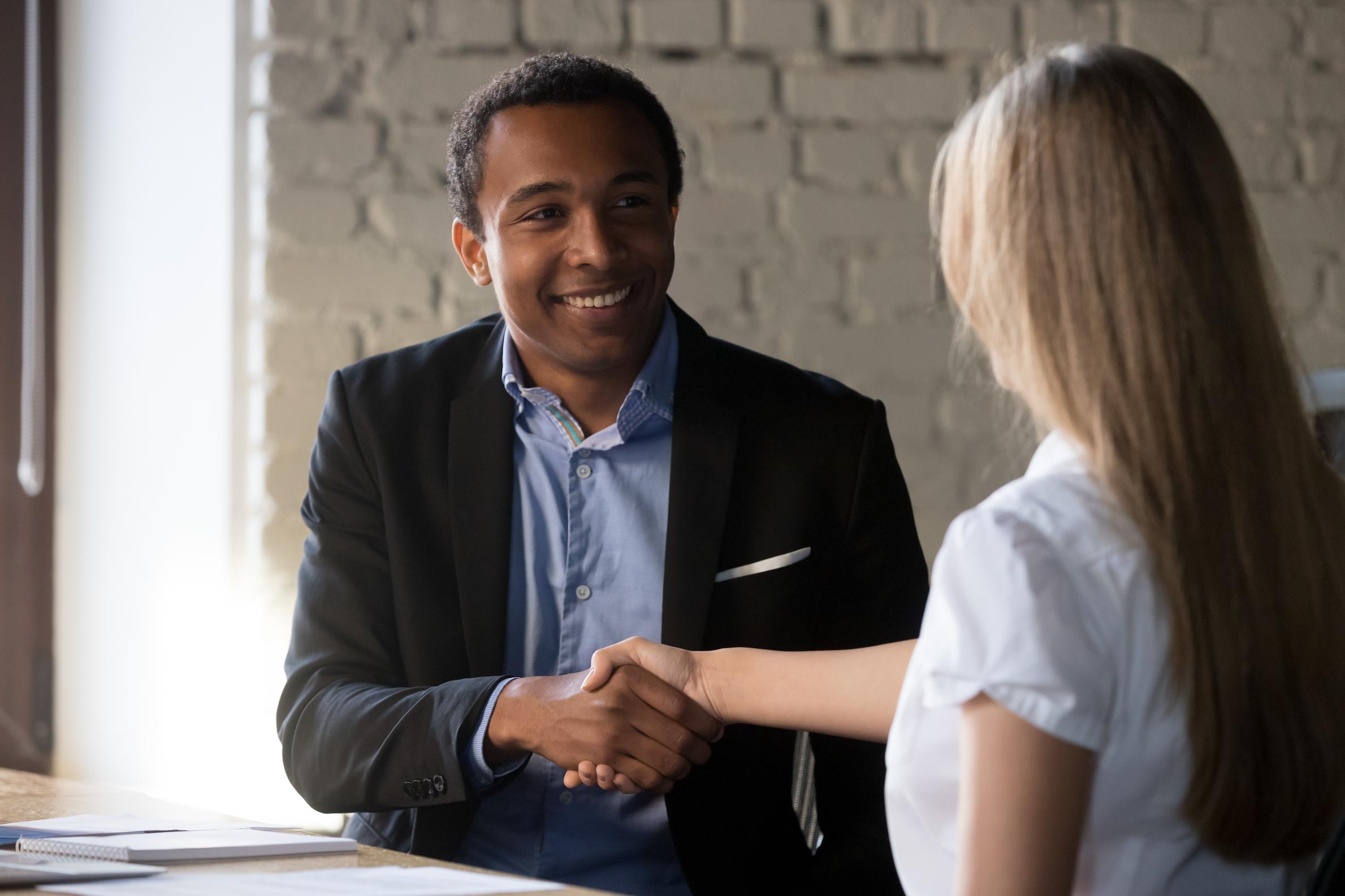 handshake-moving-companies-retain-employees