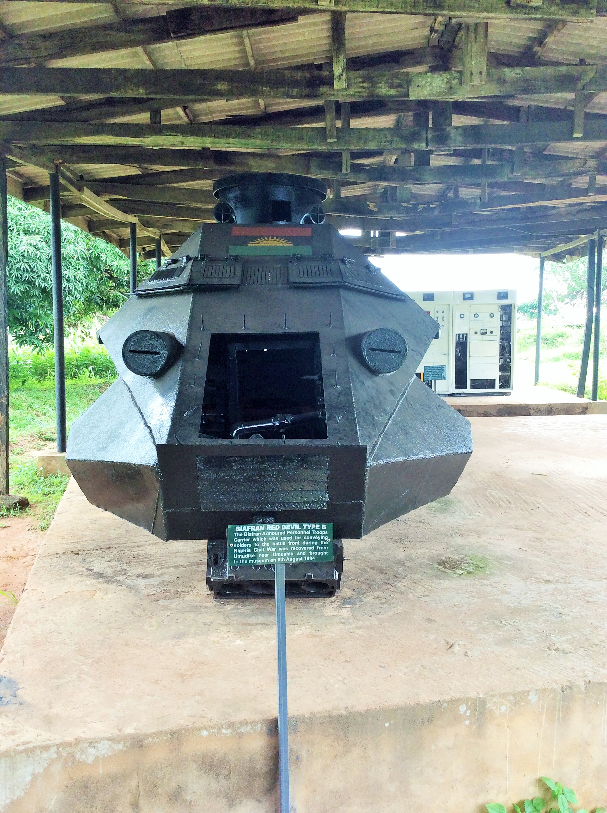 "Locally fabricated weapons with the Biafran map. That's Biafra radio at the back which Ojukwu used in communicating called  shortwave radio ""the Voice of Biafra"""