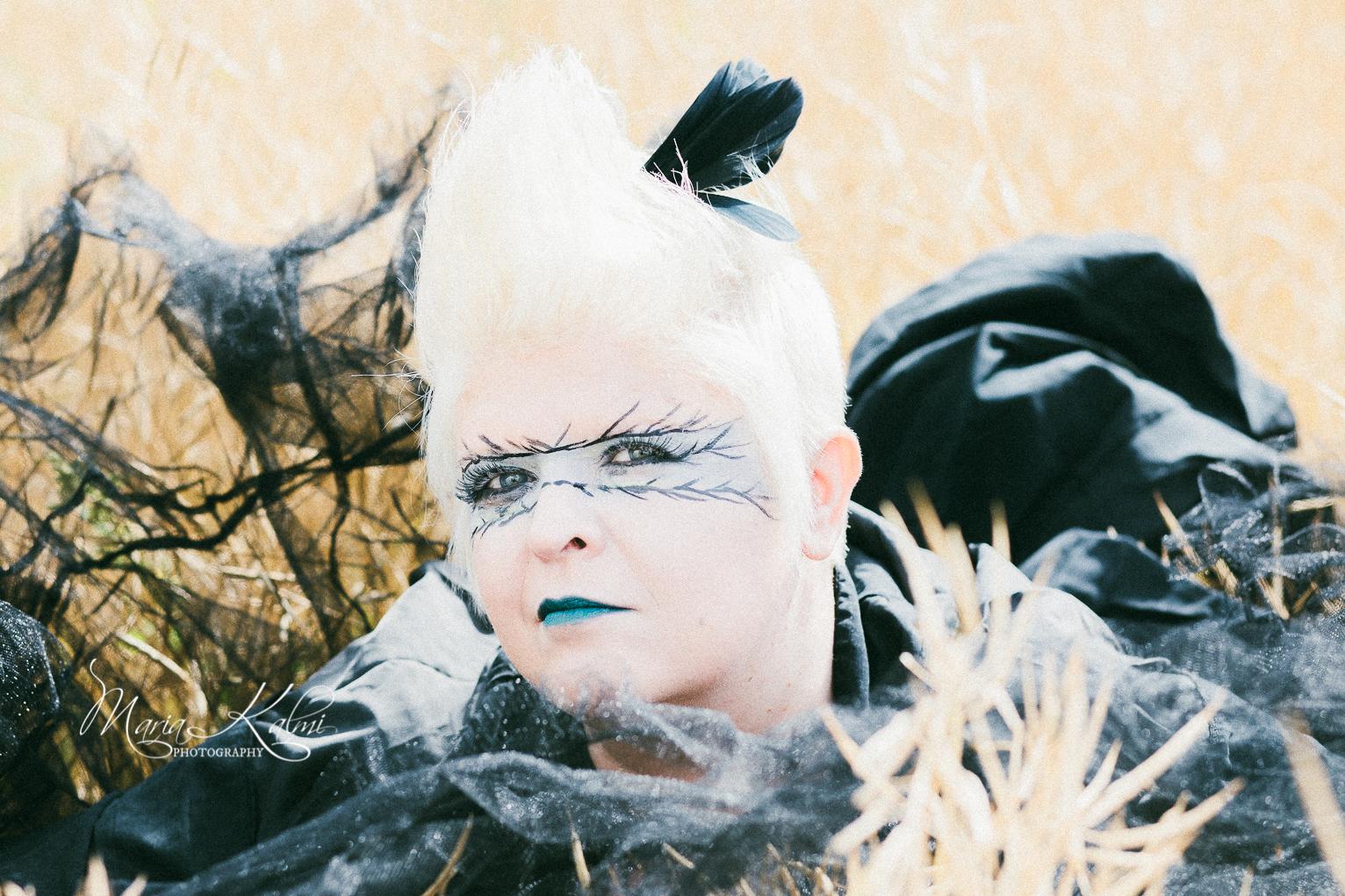 """""""Verkostossani on huikeata ammattitaitoa ja osaamista, kuten tämä valokuvaaja Maria Kalmin korpisoturiteemalla toteutetut kuvaukset Villa Unelmassa Loviisassa.""""  © VALOKUVAAJA MARIA KALMI 2018 / UNELMAKONTTORI.FI"""