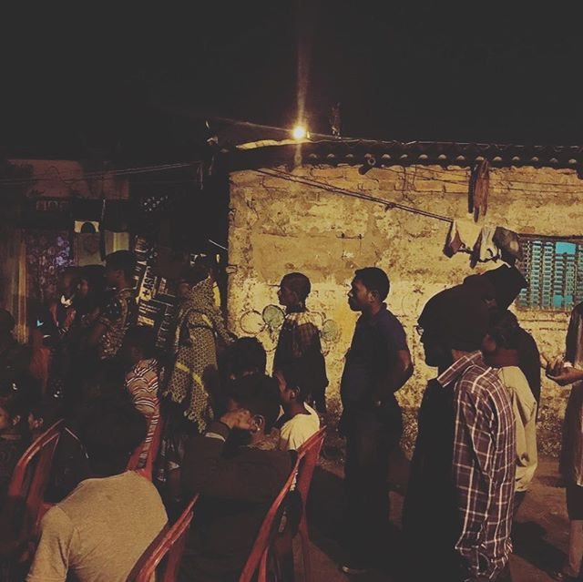 At Mollickpara Slum, viewers watch  @phmuseum Grant Prize Winners on show! . . . . #Japf3 #phmgrant #GrassRoots #Publicart #Festival #NewMedia  #Photography #Art #VisualCulture