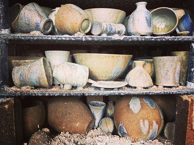 Crust, dust, ash, and glass... checking out the front stack before unloading this morning. All around everyone felt it was a good firing, made even better by the extra hours. Holy smokes - 59 hours! . . . #ceramics #pottery #potter #woodfiredceramics #woodfiredpottery #🔥 #womenwhowoodfire #keramik #handmade #woodkiln #hamont