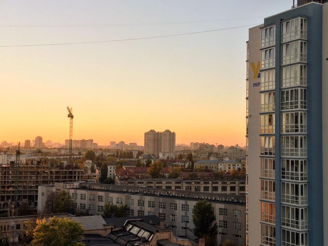 Urban area near Kyiv Railway Station. Photo by Maksym Klovak.