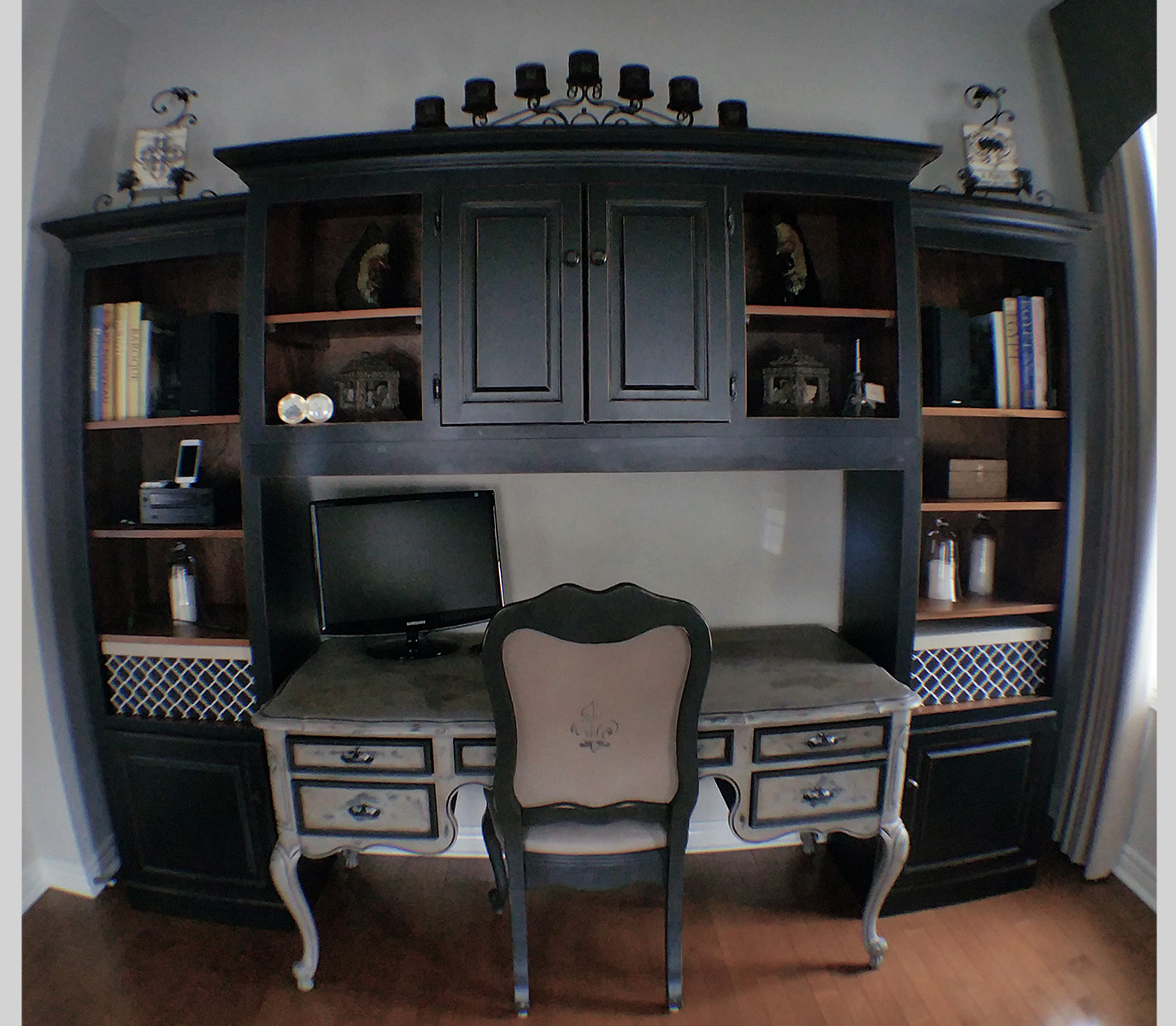 9 Desk.jpg